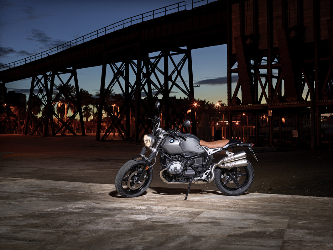 P90203079_highRes_the-new-bmw-r-ninet-.jpg